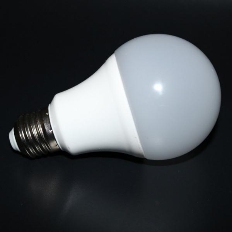 China-led-bulb-Aluminum-PBT-Housing-Dimmable.thumb.jpg.59fde40868feb49fcbb76b9b3df8c409.jpg