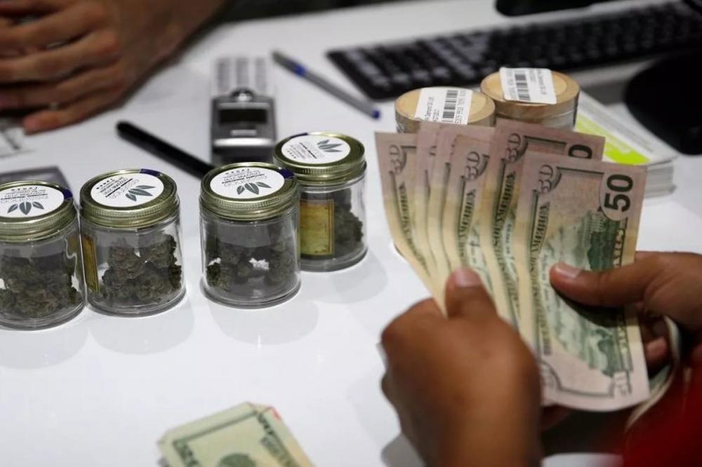 cannabis-sales-up.jpg